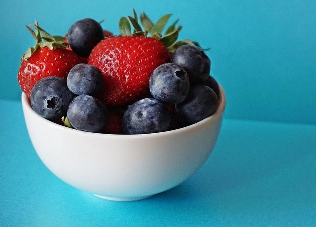 Berries- 7 Anti Inflammatory Foods to Eat Every Day