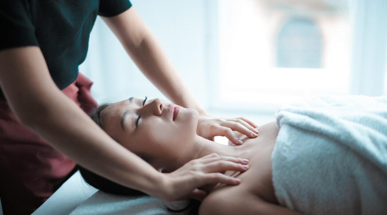 How Does Acupuncture Work & 3 Impressive Skin Benefits Feature