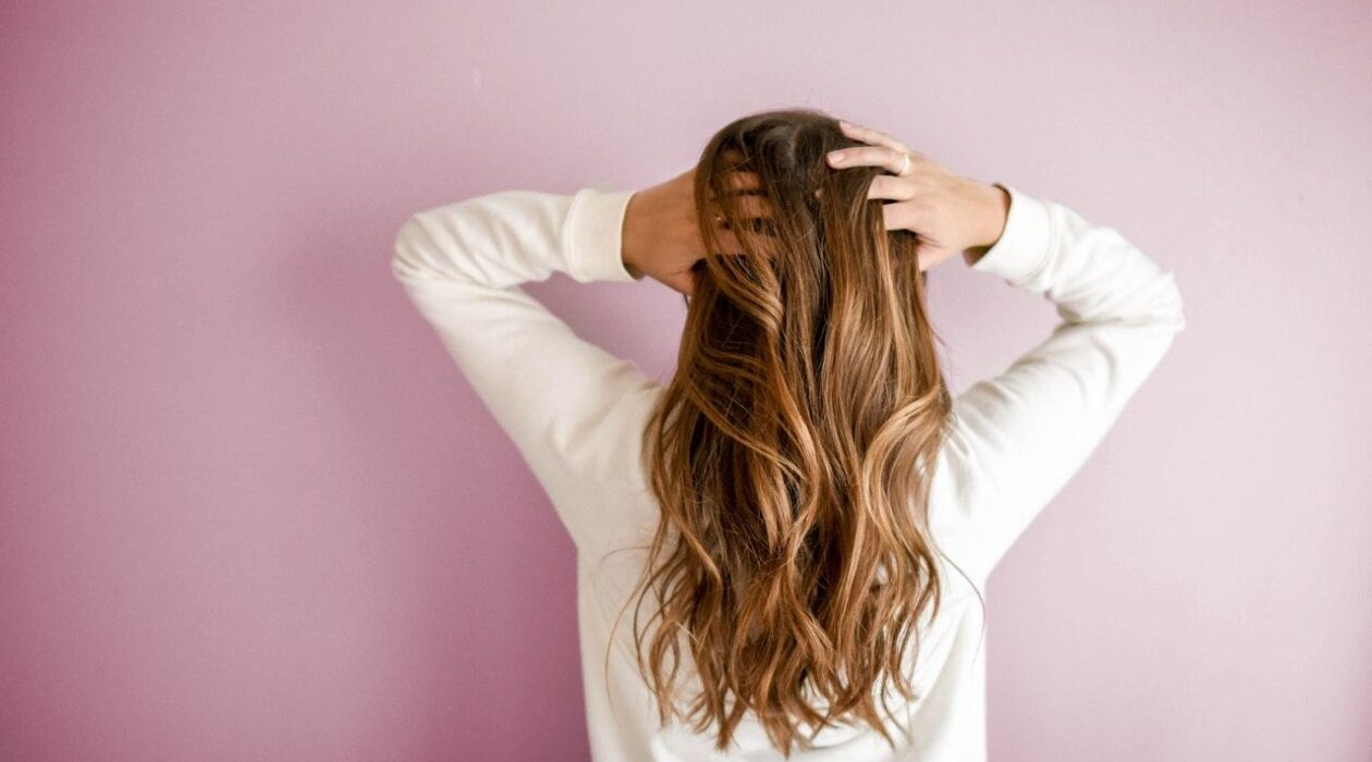 Review Of An Anti Dandruff System That Can Make Your Hair Look Better Feature