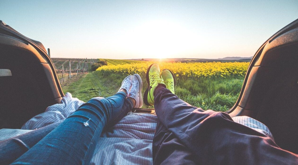 8 Ways To Relax As A Couple Featured